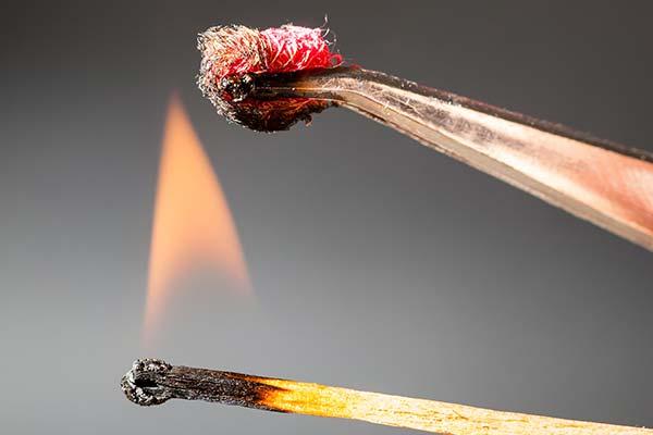 Prove di resistenza alla fiamma